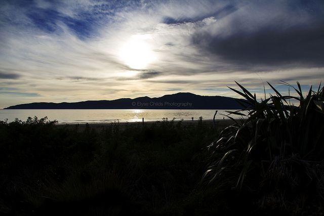 Kapiti Island from Waikanae Beach | © Elyse Childs Photography