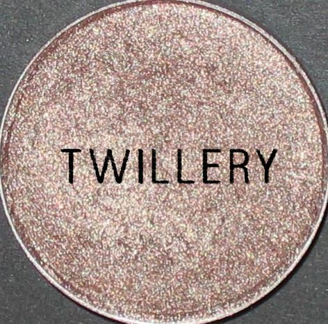 MAC Cosmetics Neutral Eyeshadow in the shade twillery so pretty to wear for an everyday look!