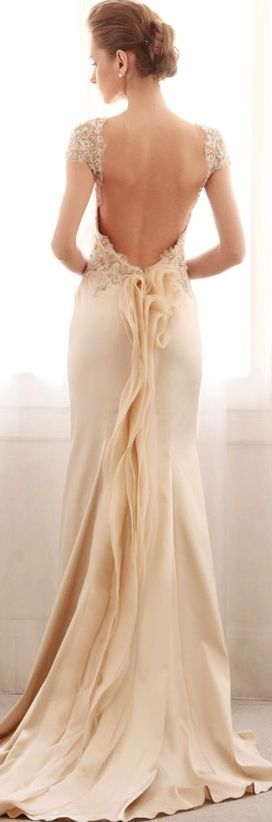 Gemy Maalouf  exquisite back detail - looks like a flower!!