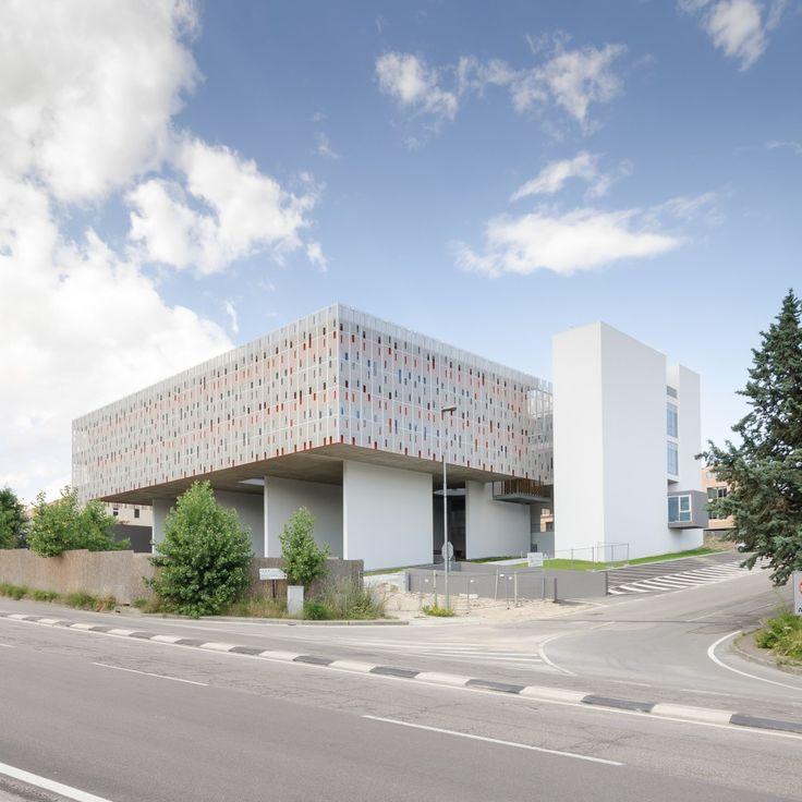 Citadel of Construction / HOFLAB+HOFPRO