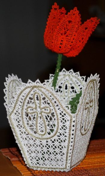 Advanced Embroidery Designs - FSL Battenberg Lace Easter Vase