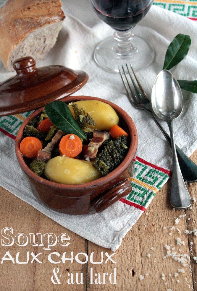 La plupart du temps je prépare des soupes de légumes bien mixées afin d'obtenir un velouté onctueux. C'est aussi un bon moyen de faire manger plusieurs légumes à la fois aux enfants en y cachant celui qu'ils n'apprécient pas ou peu. A part le minestrone...