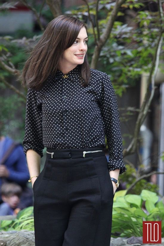 Anne-Hathaway-The-Intern-On-Set-Tom-Lorenzo-Site-TLO (7)
