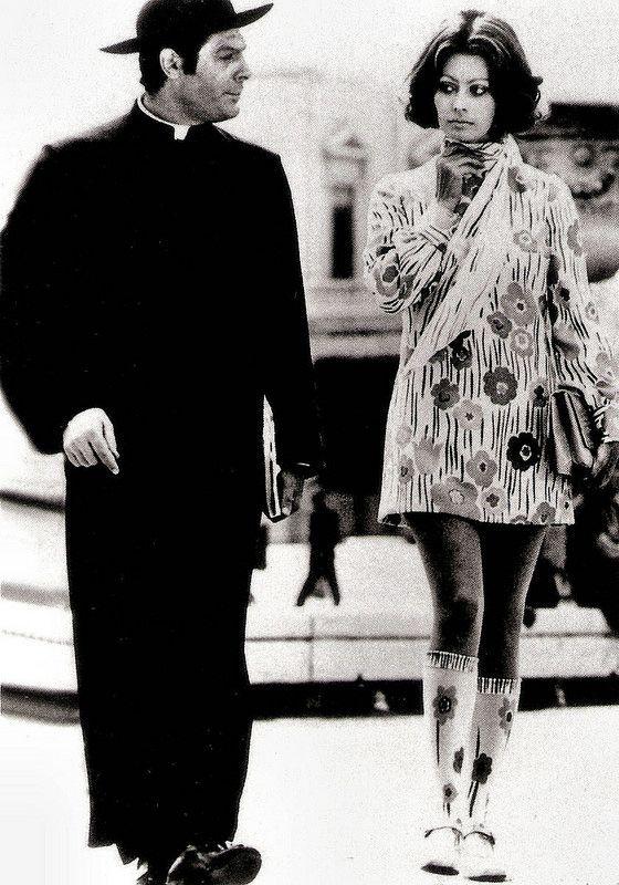 Marcello Mastroianni and Sophia Loren in La Moglie del Prete. German postcard by pwe Verlag, München (Munich). Photo: publicity still for <i>La moglie del prete/The Priest's Wife</i> (Dino Risi, 1970).