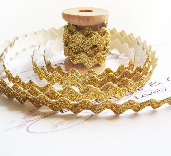 sparkly gold ricrac! 1yd Gold Glitter Ric Rac Trim