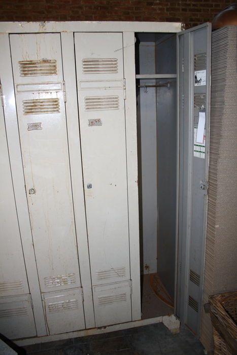 Oude industriele locker kast