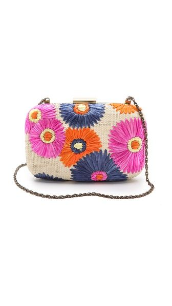 { floral embroidered clutch }