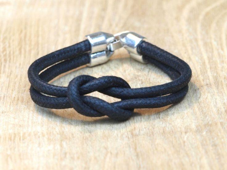 Heren infinity armband gemaakt van 5 mm waxkoord €9,95