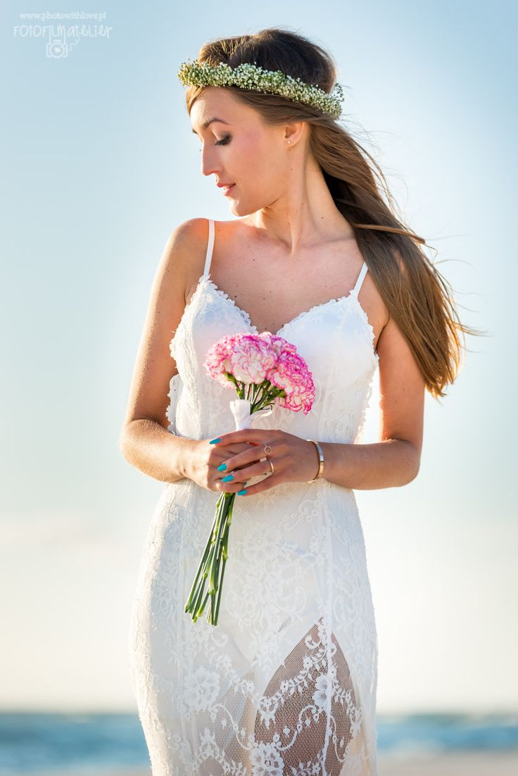 boho bride - baby's breath wreath, carnation bouquet - my perfect beach wedding photography