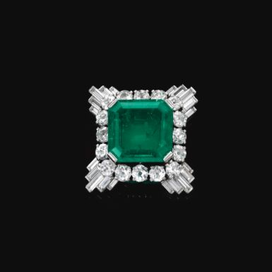 Emerald and diamond clip, mounted by Cartier, 1930s - Sotheby's