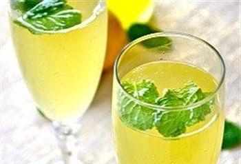 Limoncello-prosecco aperitiefje