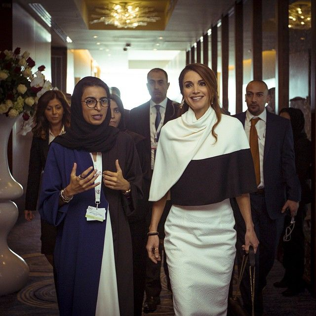 جهود رائعة من قبل Twofour54 منظمي قمة أبوظبي للإعلام مع نورة الكعبي الرئيس التنفيذي لهيئة المنطقة الإعلامية في أبوظبي أبوظبي الاماراتgreat S Queen Rania Fashion Queen