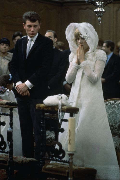 3055 best mariage weddings images on pinterest slide show wedding frocks and bridal gowns. Black Bedroom Furniture Sets. Home Design Ideas