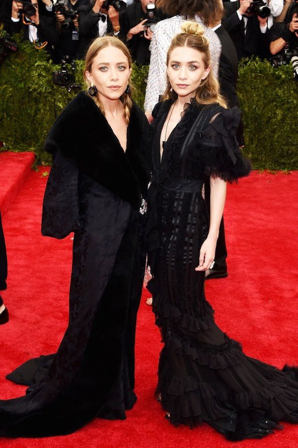Olsens Anonymous Blog Mary Kate Ashley Olsen Twins Best All Black Looks Met Gala 2015 Gowns Fur Coat Hair Makeup Beauty Red Carpet