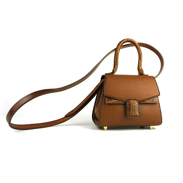 would you like this? we are leather-craft. Can make a leather bag for your own. Hope you like it. Thank you very much.