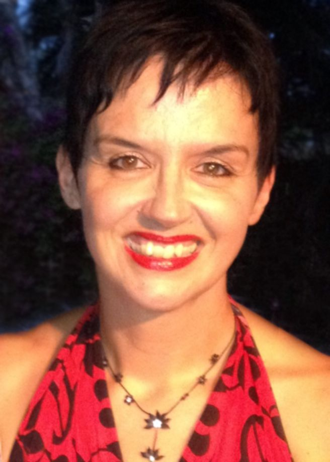 Hi, I'm Nicola Willis, a personal stylist based in Brisbane, Australia.    I have excellent communication skills and understand how to share my knowledge of fashion and styling with you, sothat you develop a clear understanding of how to 'dress with style'.  When you experience a styling consultation with me, you will feel at ease immediately and will find a new confidence to step out looking and feeling your very best.