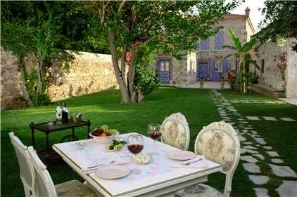Lola 38 Hotel - Foça/Izmir - İzmir / Küçük ve Butik Oteller Sitesi