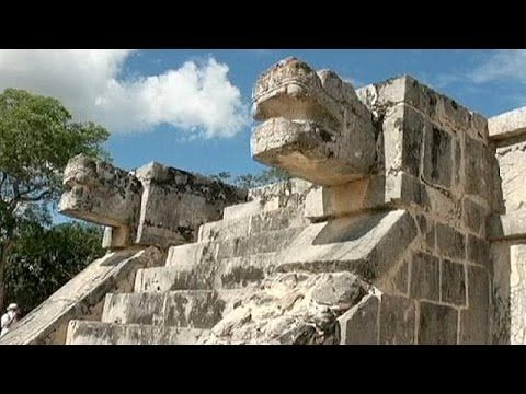 Scientists find sinkhole cave under Mexico's Kukulkan Castle Pyramid