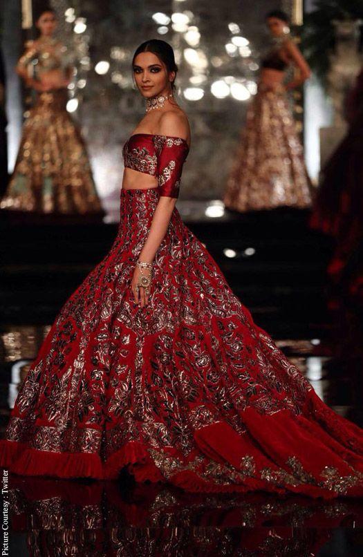 Deepika Padukone-Fawad Khan In Fashion show | Fashion Hacks