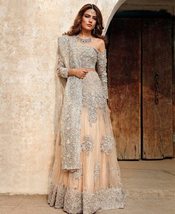 Pakistani couture Erum Khan