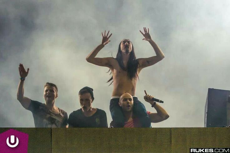 Showtek, Nicky Romero and Steve Aoki. Ultra Buenos Aires. Photo by Rukes. #Booyah