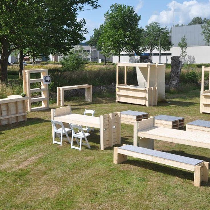 Met de bouwpakketten van Pop Up Pallets (PUP) richten wij ons op interieur- en meubelontwerp voor particulieren en de zakelijke markt.
