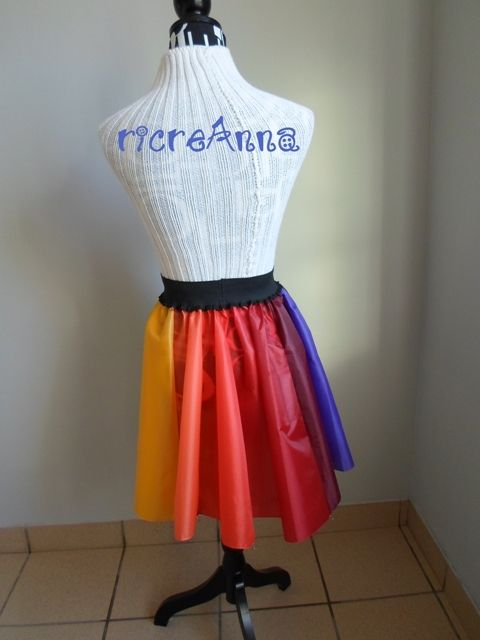 Gonna con ombrello. Skirt with umbrella