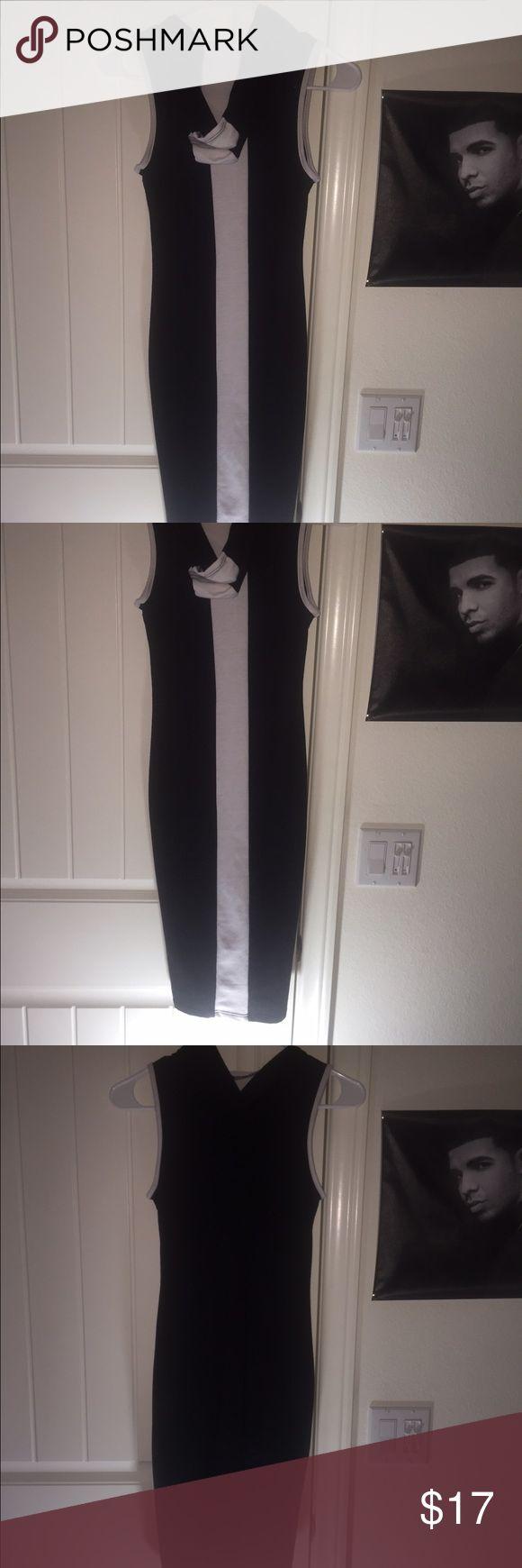 Black dress Skin tight black dress with a hood on the back Forever 21 Dresses Mini