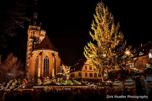Weihnachtsmarkt Stuttgart auf dem Schillerplatz