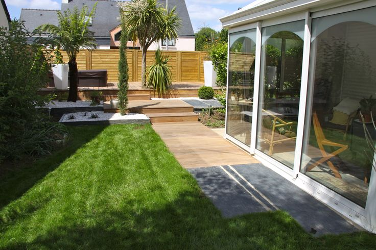 Terrasse bois terrasse pierre Arbor Minéral Vannes Morbihan - amenagement jardin avec spa