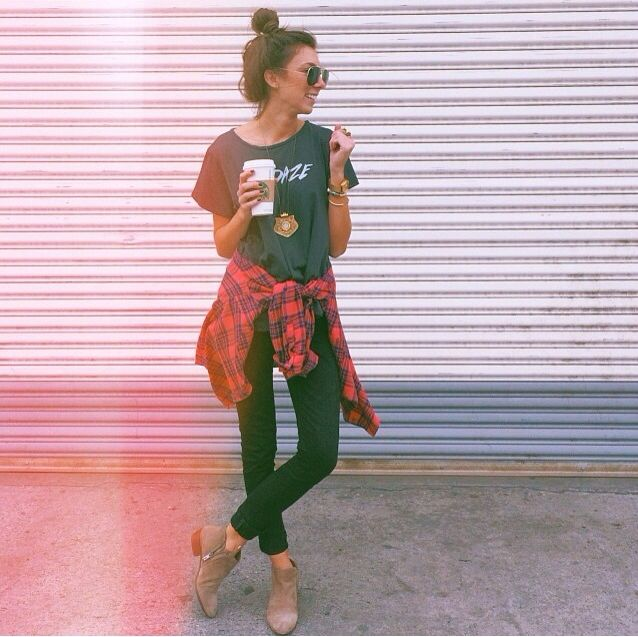 Blogger Babe Ivana Revic in the {byron} SUNDAZE tee :: available soon www.matevintage.com