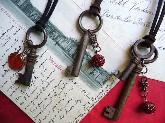 Fun necklaces to make with older kids, using new or vintage keys, and embellishing with beads, etc.: Vintage Keys, Vintage Wardrobe, Older Kids, Antiques Keys, Fun Necklaces, Crafty Fun, Vintage Diy Necklaces, Keys Necklaces, Keys Diy