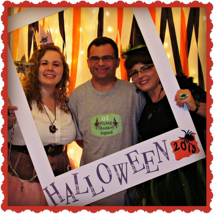 halloween photo booth and decorations