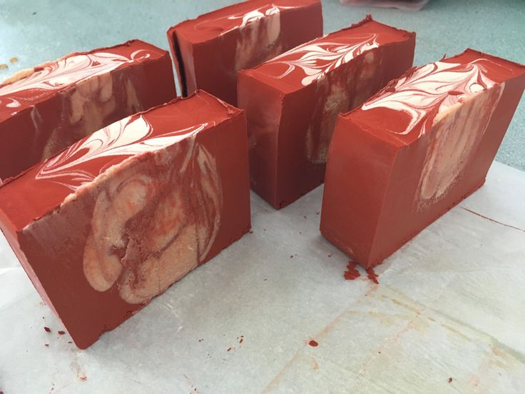 just cutted the red clay cp soaps