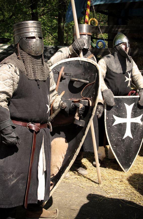 Hospitaller Sergeants knights armored  shield grip