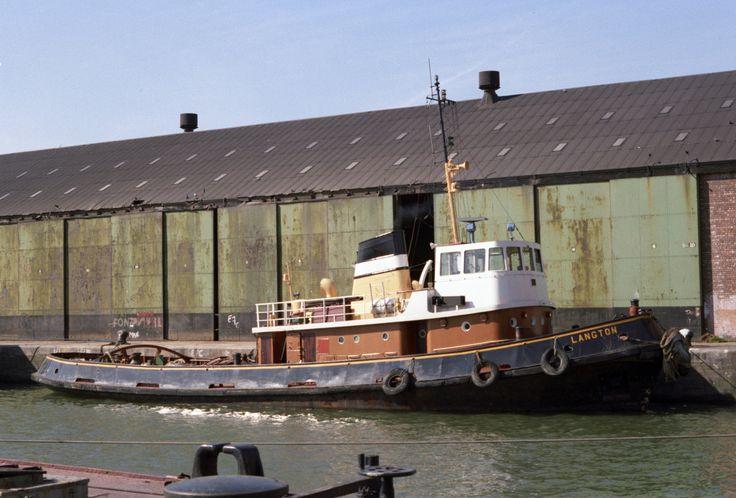 TUG LANGTON EAST FLOAT BIRKENHEAD 1983 Liverpool docks
