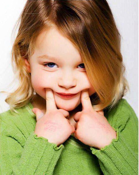 Η τερηδόνα είναι σε έξαρση, ειδικά στα νήπια και στα παιδιά προσχολικής ηλικίας. Ωστόσο, ακόμη και αν δεν έχετε τα παιδιά σε αυτή την ηλικία, μπορεί να έχετε εγγόνια, γείτονες, ή / και τους φίλους σας με παιδιά , που μπορεί να βρουν αυτές τις πληροφορίες χρήσιμες.  Διαδώστε το!!