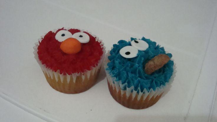 Elmo y monstruo comegalletas