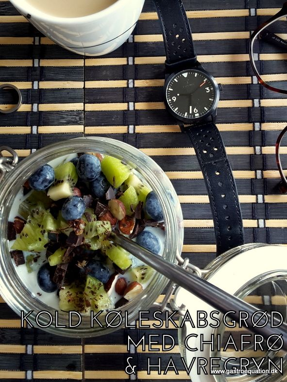 Et low fodmap venligt bud på en køleskabsgrød, som giver mæthed i længere tid pga. havregryn og med en lækker topping af kiwi og blåbær.