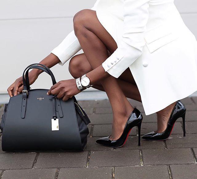 Bag via @camelia_roma |ph.by @hannahakinyemi