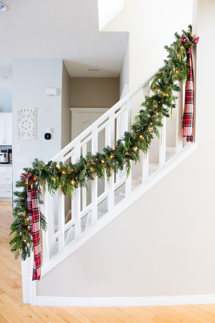 Decorating For Christmas Christmas Garland Staircase Christmas Stairs Decorations Christmas Staircase Decor