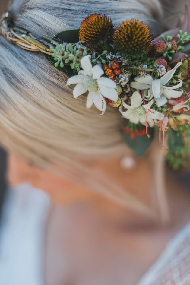 Native wedding hair flowers | Naomi Rose Floral Design | Bridal hair flowers
