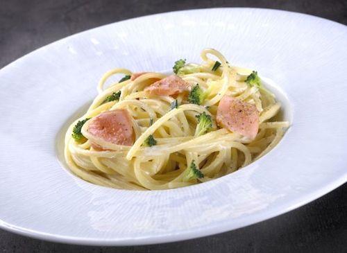 Retrouvez cette recette facile de spaghettis au saumon et brocolis pour vous…