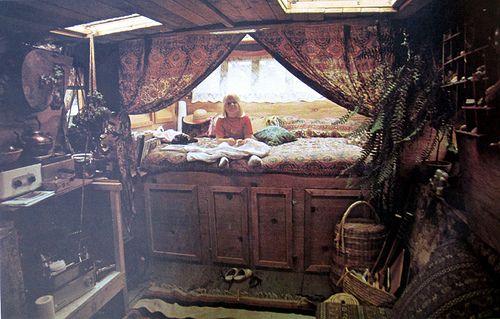 sweet! houseboat interior: Interior, Beds, Dream, Bed Nook, Homes, Bedroom