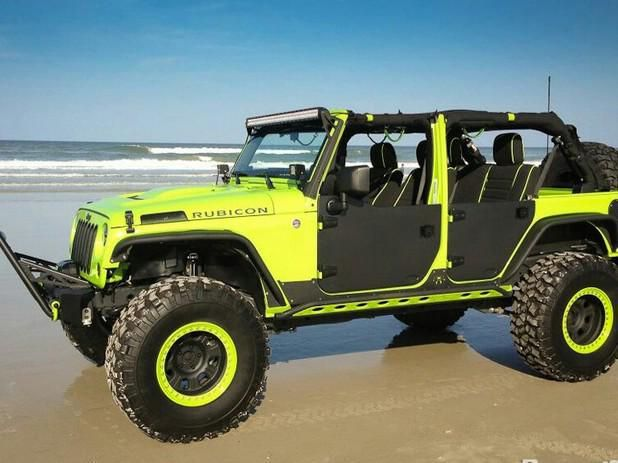Jeep Rubicon. Love the green.!