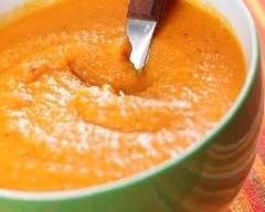 Soupe de patate douce aux lentilles corail : http://www.cuisineaz.com/recettes/soupe-de-patate-douce-aux-lentilles-corail-77182.aspx