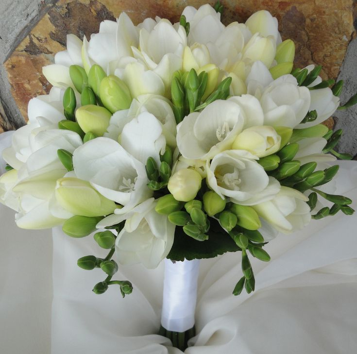 Pictures of white flower bouquet  | fragrant bouquet of white hydrangea and white freesia her attendants ...