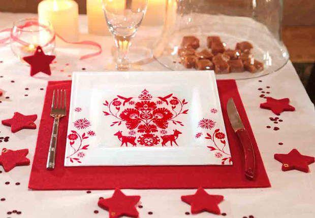 Une assiette en serviettageCustomisez vos assiettes avec des serviettes en papier