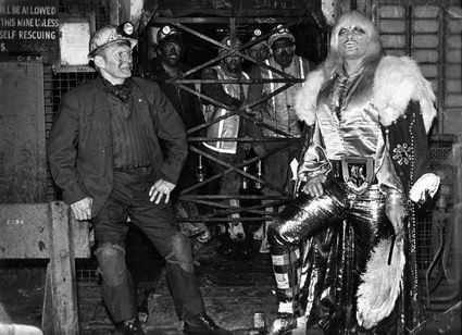 Even wrestlers from mining stock did not escape the Glam cultural phenomenom, as this photo of Adrian Street with his father shows.