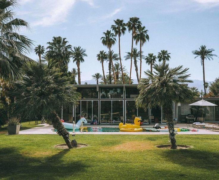 Talk about an oasis to take your mind off everything   https://www.instagram.com/p/BTAASplAeJK/  #palmsprings #coachella #coachella17 #travel